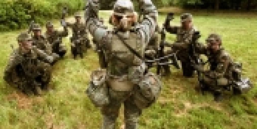 Nackt bundeswehr soldatin Throw Back