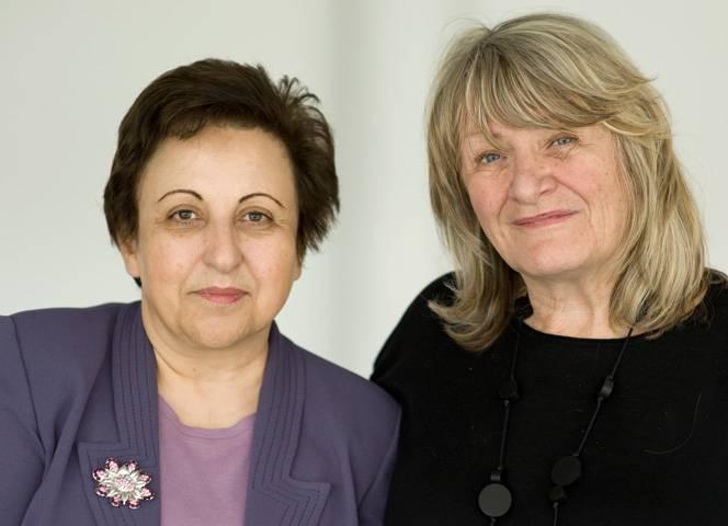 Shirin Ebadi im Gespräch mit Alice Schwarzer. - Foto: Bettina Flitner