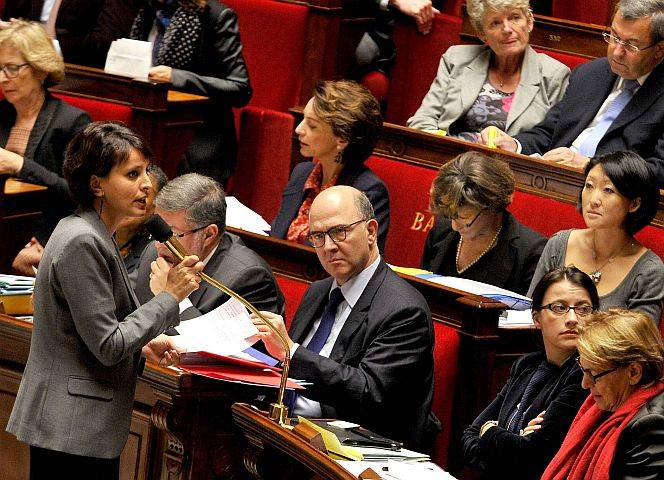 Frauenministerin Vallaud-Belkacem spricht vor der Nationalversammlung. © Gerard Roussel/Panoramic