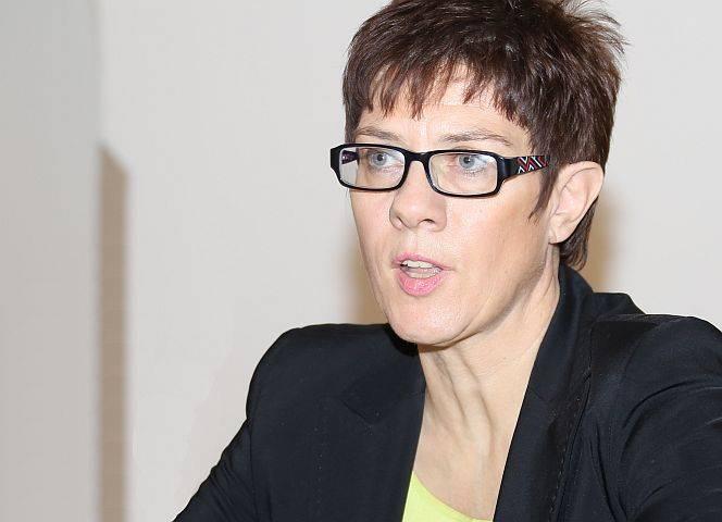 Ministerpräsidentin Kamp-Karrenbauer: Maßnahmen ergriffen. © blu-news.org/CC BY-SA 2.0