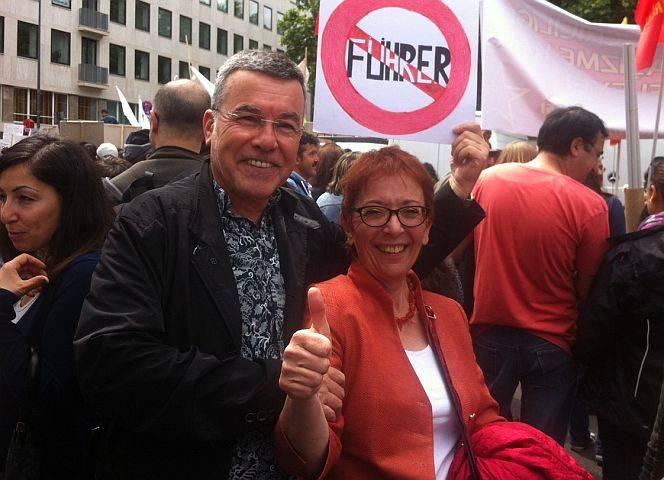 SPD-Politikerin Lale Akgün bei der Demo gegen Erdogan in Köln.