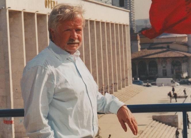 Manfred Paulus, hier in Tirana/Albanien