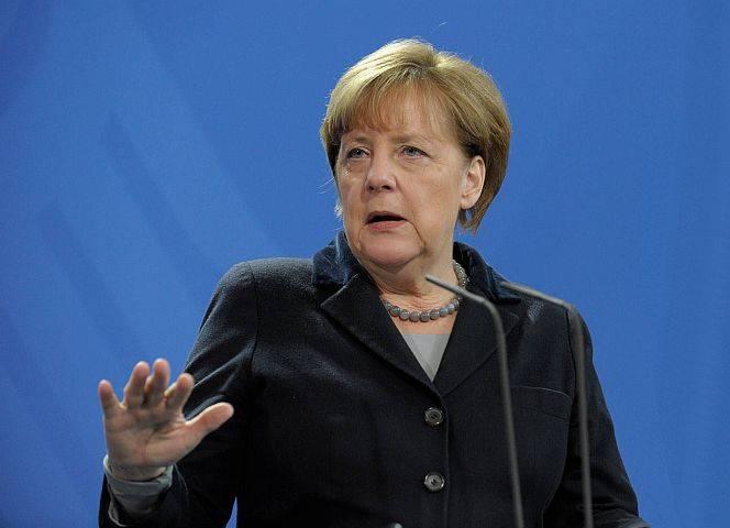 """Kanzlerin Merkel: """"Das ist völlig inakzeptabel!"""" - © imago"""