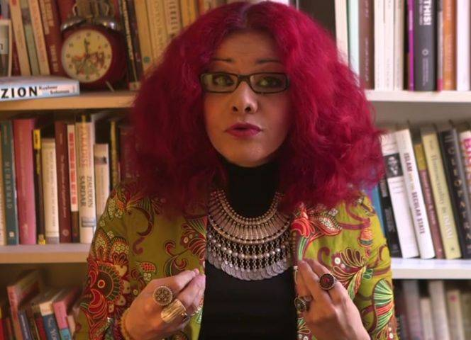 Sie hat den Hashtag #MosqueMeToo erfunden: Mona Eltahawy.