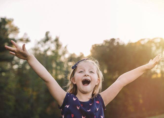 """""""Ich lächle gern und bringe Menschen gern zum Lachen"""", Millie, 7 Jahre. Foto: Kate T. Parker"""