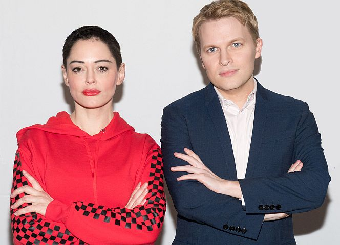 Kronzeugin im Fall Weinstein: Rose McGowan mit Ronan Farrow. - Foto: Noam Galai/Getty Images