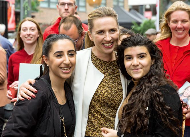 Die Sozialdemokratin Mette Frederiksen siegte in Dänemark. - Foto: Ole Jensen/Getty Images