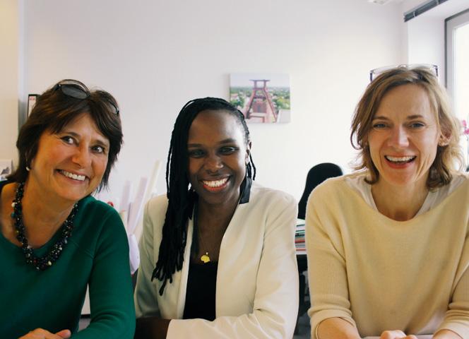 VAMV-Vorstand Antje Beierling, Dorothy Thom und Pressesprecherin Ute Zimmermann freuen sich über den Erfolg des Projektes
