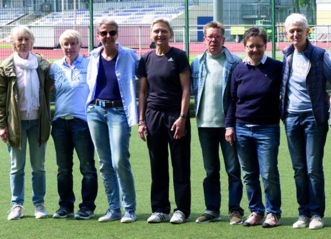Die Weltmeisterinnen heute, Anne Trabant links außen.