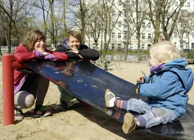 Suse und Micha machen ernst mit halbe/halbe. - © Verena Mörath