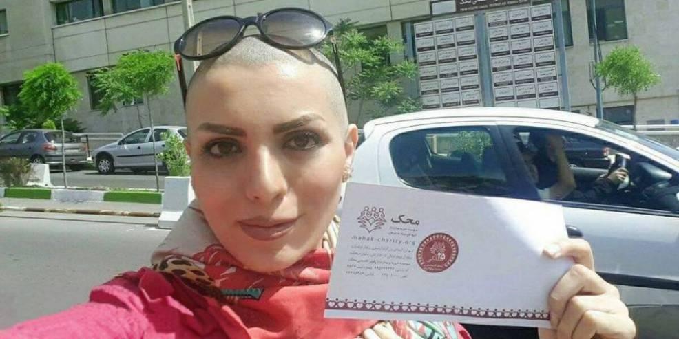 Teheran: Vom Kopftuch befreit | EMMA