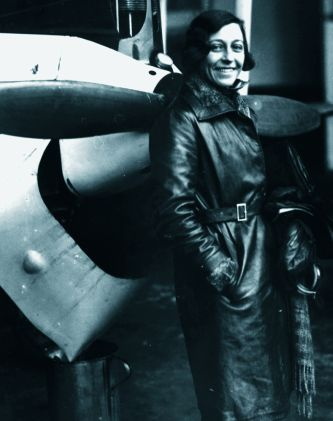 Amy Johnson, Langstreckenfliegerin 1931.