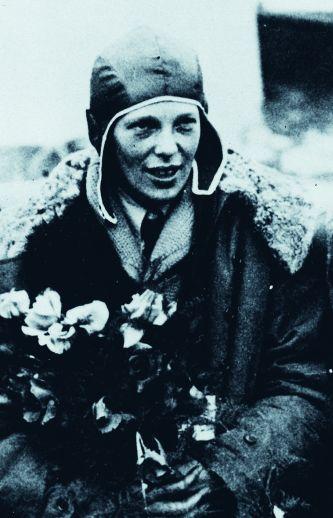 Amelia Earhart-Superstar 1932.