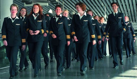 Die Pilotinnen kommen. Langsam, aber unaufhaltsam. Von 5.000 Lufthansa-Piloten sind nach vier Jahren 163 weiblich - davon 28 Kapitäninnen.
