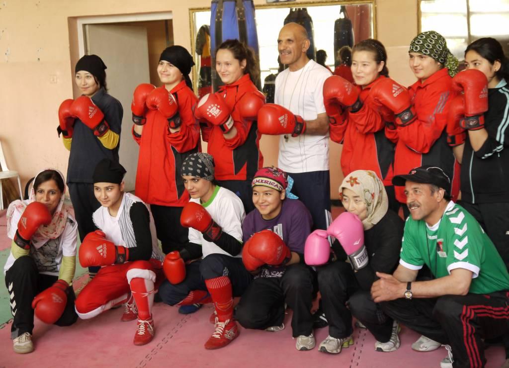 """Box-Trainer Mohammad ist stolz auf die Mädchen: """"Bei der nächsten Olympiade sind wir dabei!"""""""