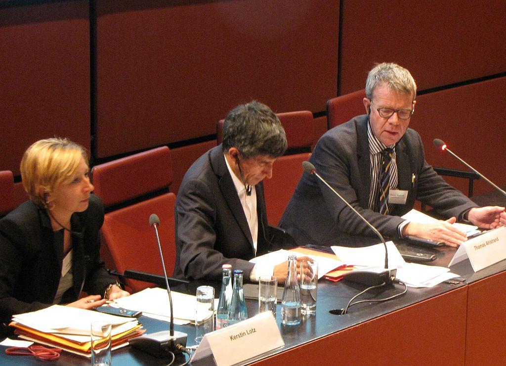 Die StaatsanwältInnen: Kerstin Lotz aus Frankfurt und Thomas Ahlstrand aus Göteborg.