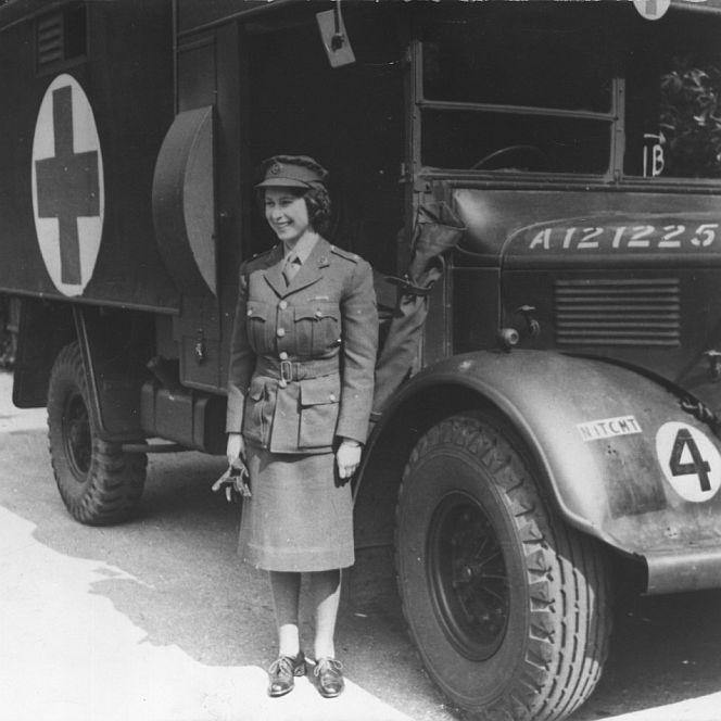 Die Queen als Armeefahrerin im Zweiten Weltkrieg.