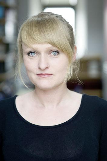 """EMMA-Redakteurin Alexandra Eul: """"Ich bin 'Rassistin'. Zumindest entnehme ich das gewissen deutschen Medien."""" - © Bettina Flitner"""