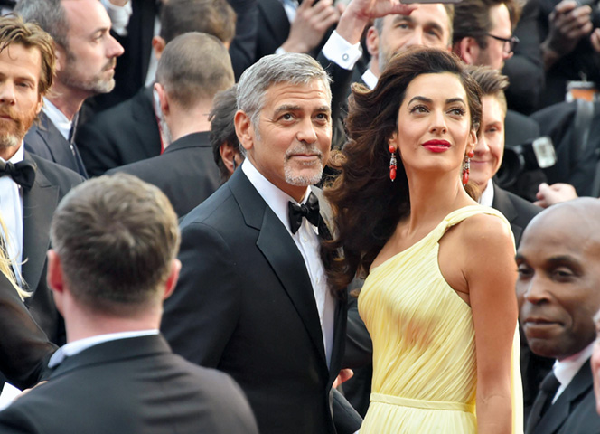 Amal Clooney klagt an | EMMA