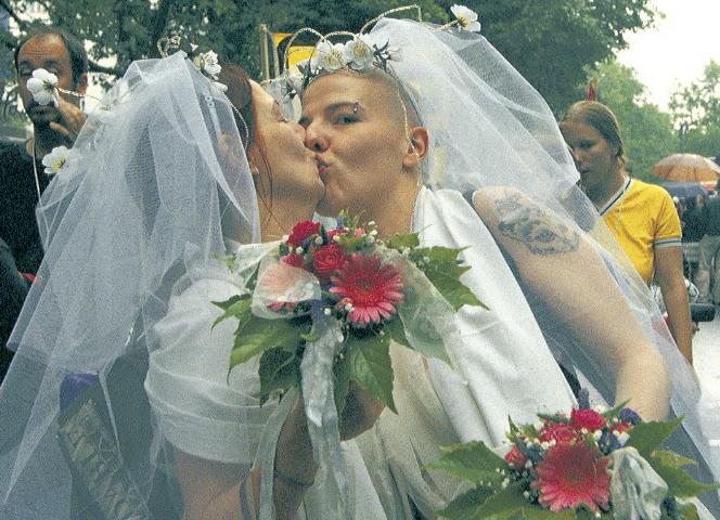 Pro und Contra zur Homoehe Familie, Ehe,