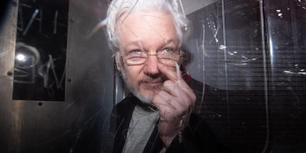 Assange diffamiert & gefoltert!